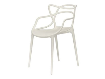 chaise masters kartell blanche location mobilier d 39 ext rieur. Black Bedroom Furniture Sets. Home Design Ideas